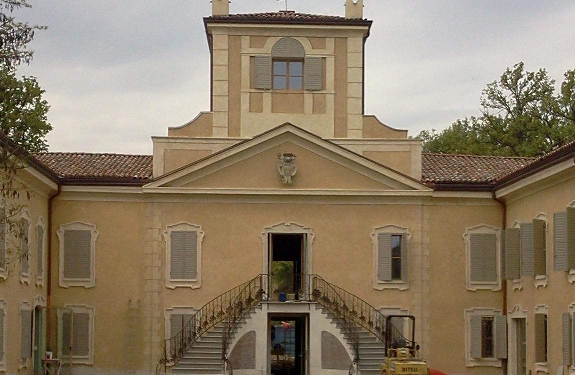 Villa Giacobazzi, la casa del custode costava troppo. Meglio tre furti con scasso e duedanneggiamenti